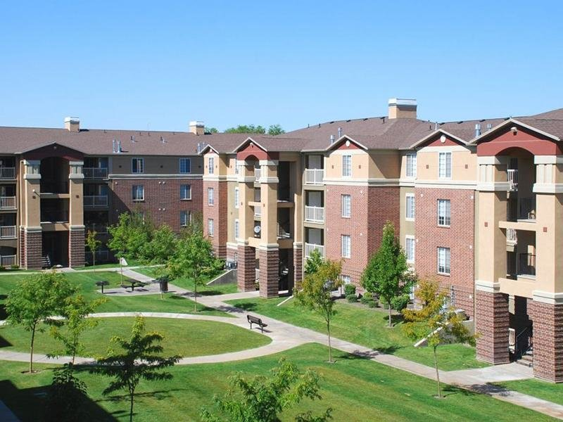 Courtyard | eGate Apartments in West Valley, UT