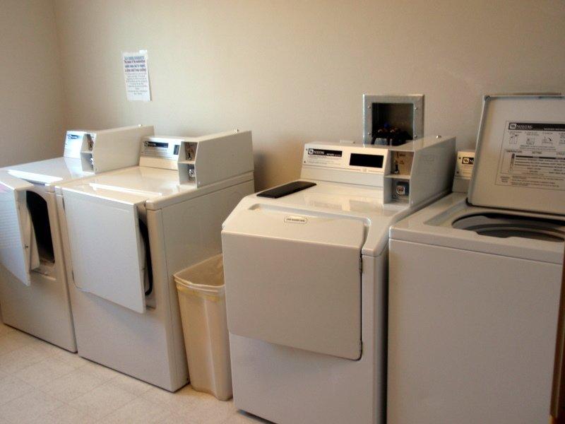 Laundry Room | Elk Creek