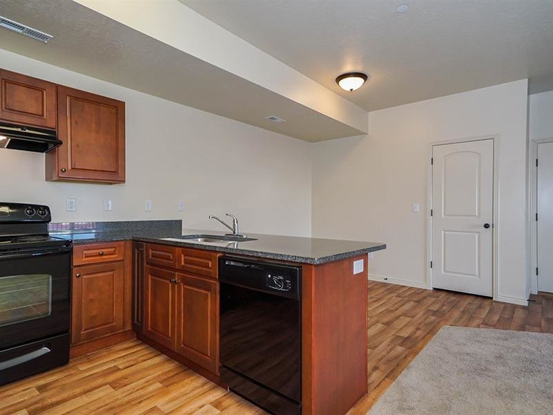 Fully Equipped Kitchen | Fernwood Place Apartments