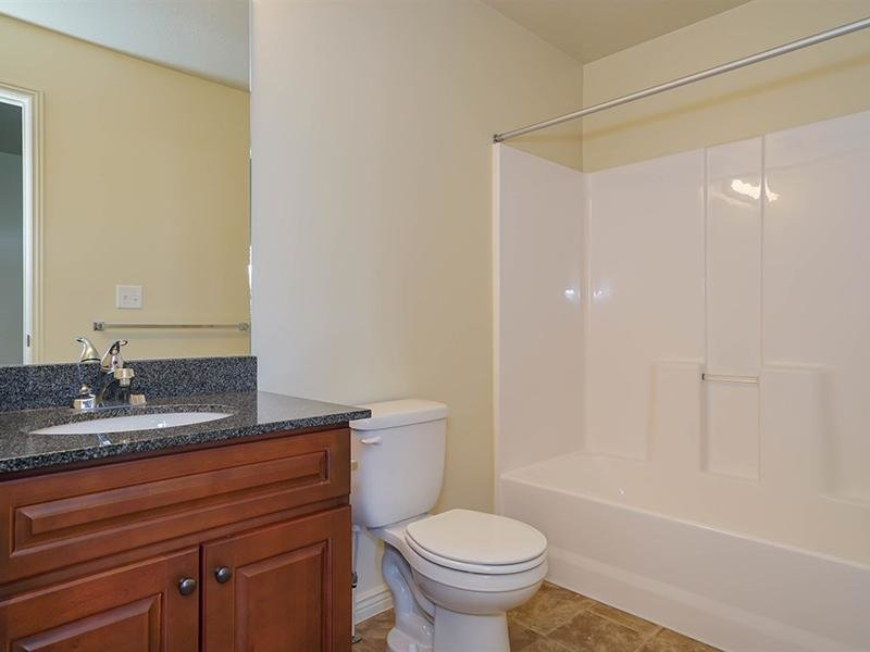 Master Bathroom | Fernwood Place Apartments