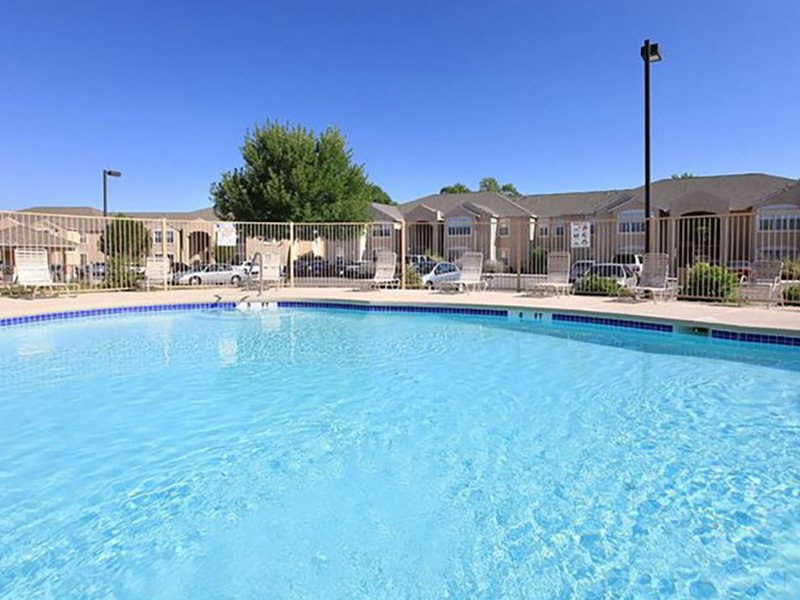 Apartments in New Mexico with A Pool | Las Lomas
