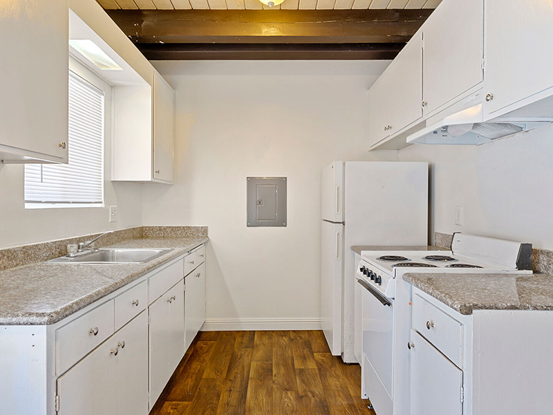 Kitchen | Manchester Apartments