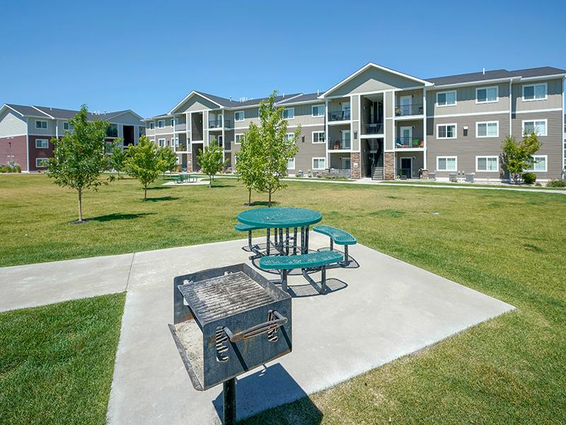 Picnic and BBQ Area | Remington Apartments in Helena, MT