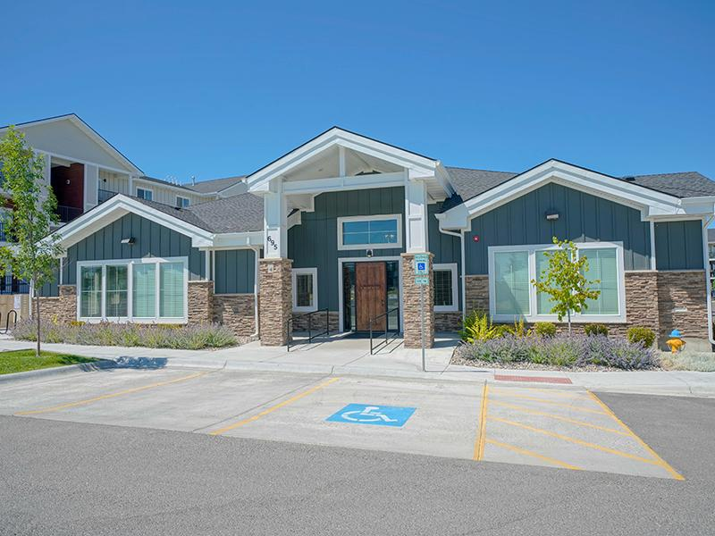 Clubhouse | Remington Apartments in Helena, MT