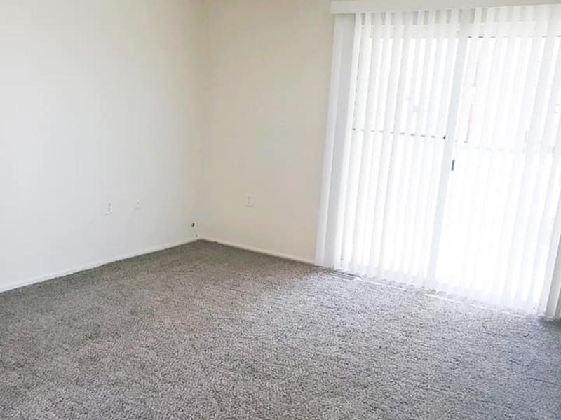 Front Room | Stonegate Village Apartments in Pueblo West, CO
