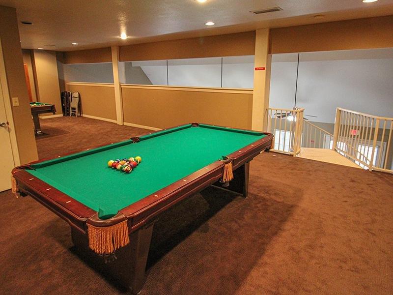 Billiards Table   Wellington Apartments