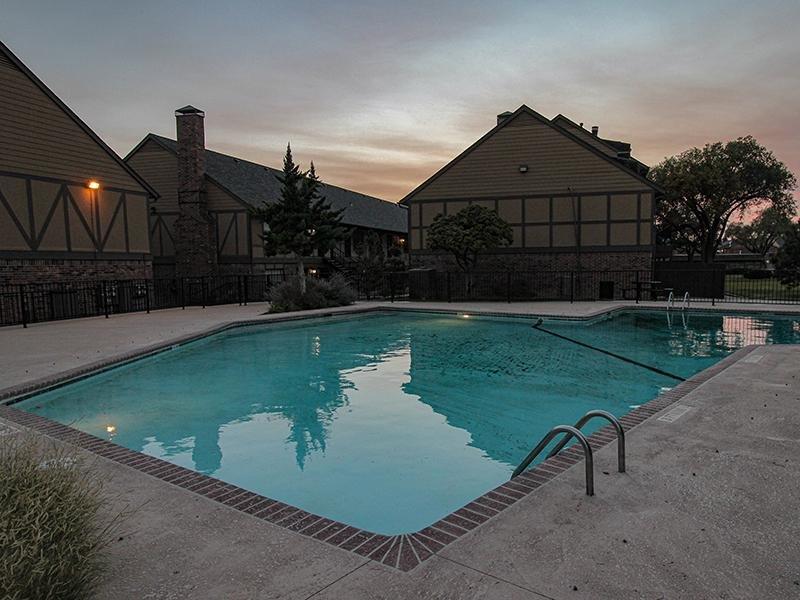 Pool   Wellington Apartments
