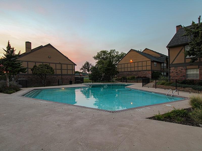 Swimming Pool   Wellington Apartments