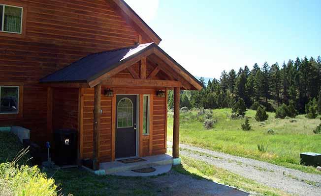 Yellowstone Mountain Home profile image