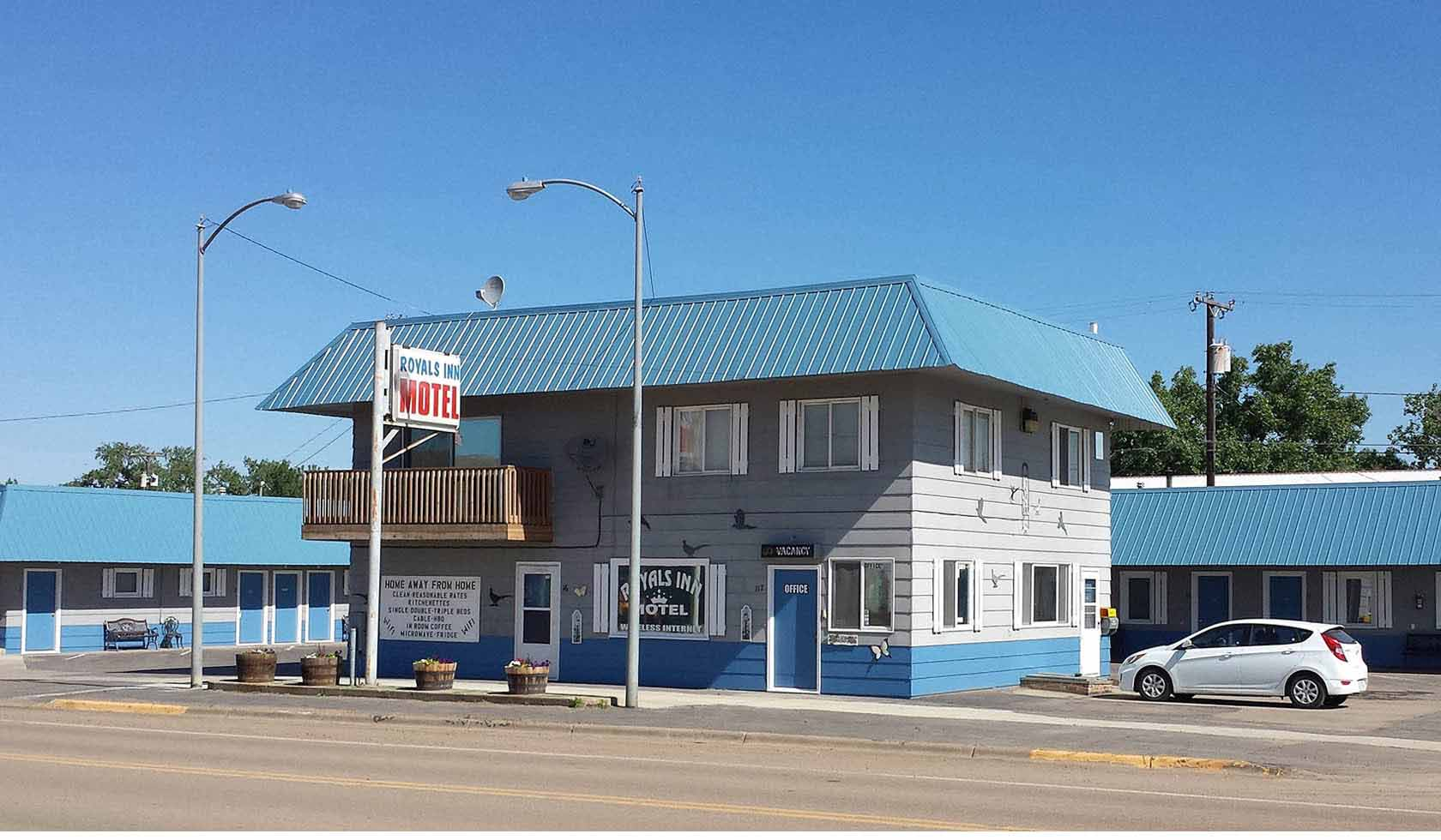 Royals Inn Motel | Missouri River Country