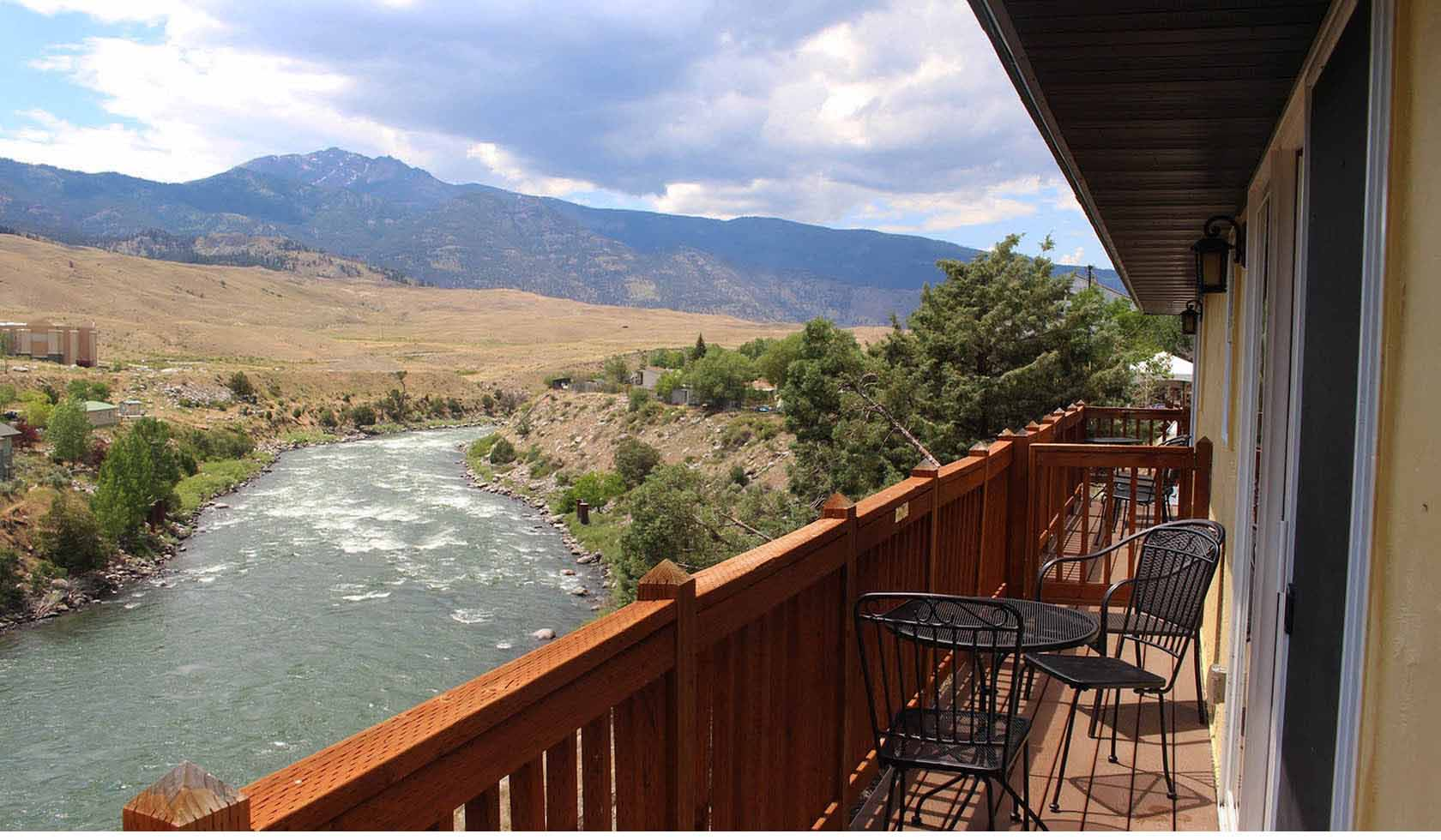 Riverside Cottages on the Yellowstone profile image
