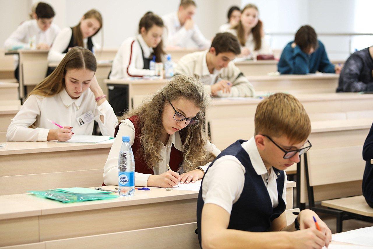 Школьники из московских школ выиграли половину дипломов Всероссийской олимпиады