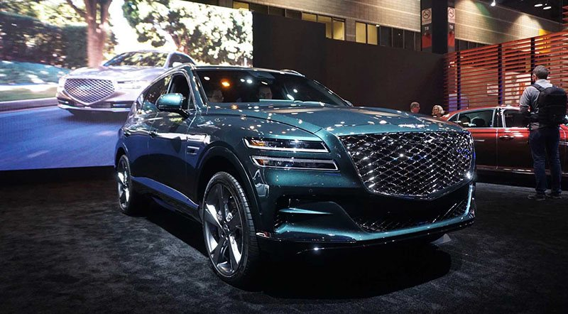 2021 Genesis GV80 Makes its Public Debut at The Chicago ...