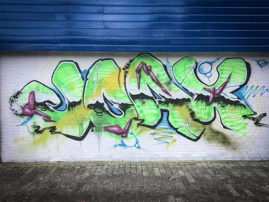 Wallspot - Joax - Neon green - Joax - Rotterdam - Croos - Graffity - Legal Walls - Letters