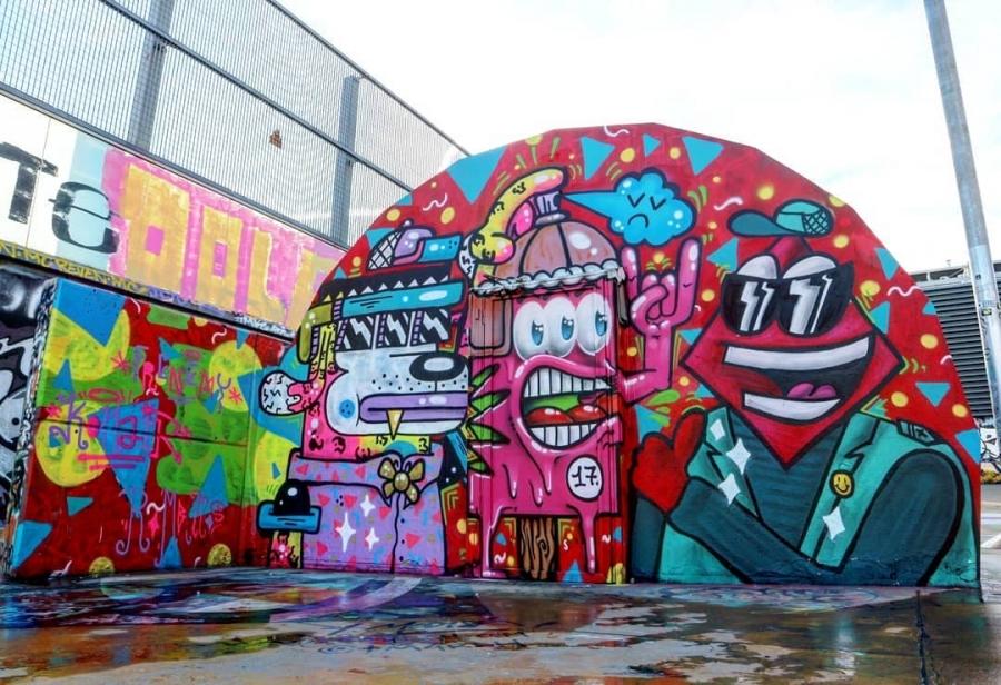 Wallspot - senyorerre3 - Art Frenemy & Konair & Rombillos - Barcelona - Tres Xemeneies - Graffity - Legal Walls - Illustration