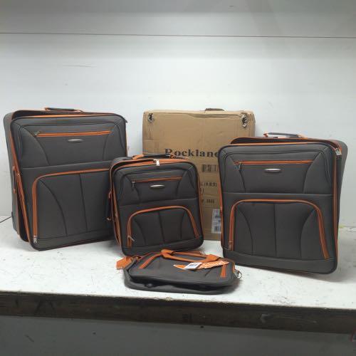 Rockland  F32 Luggage 4 Piece Set