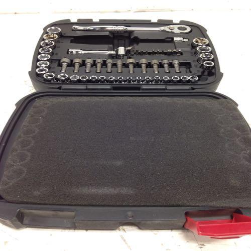 Husky 624287 Mechanics Tool Set