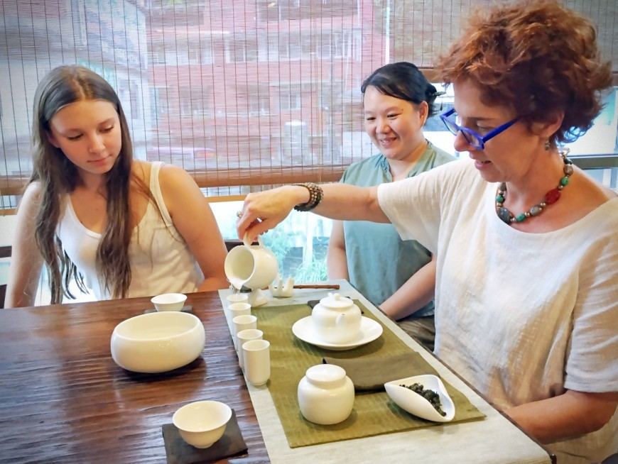 Participate in two traditional Taiwanese tea ceremony