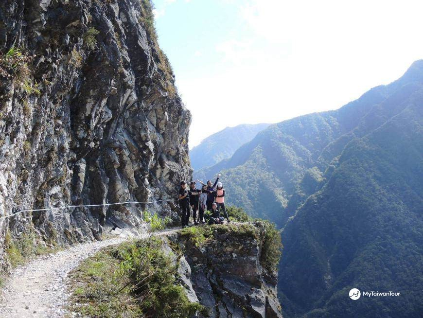 Zhuilu Historic Trail hike, one of the most spectacular hikes in the world. A light lunch will be available on the way to the trail