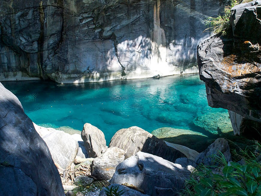 Deep Blue River in Taroko Gorge National Park1