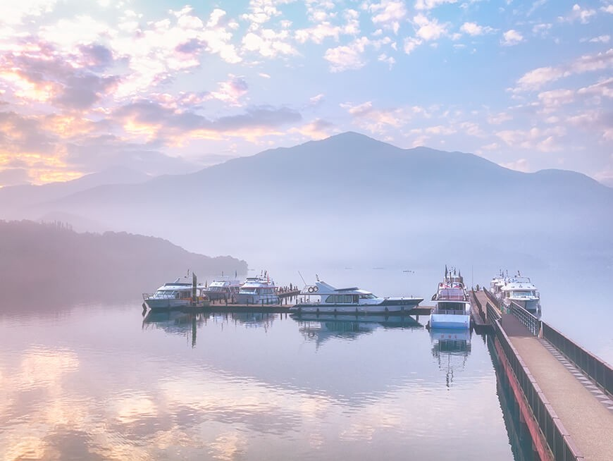 Visit the best attractions at Sun Moon Lake