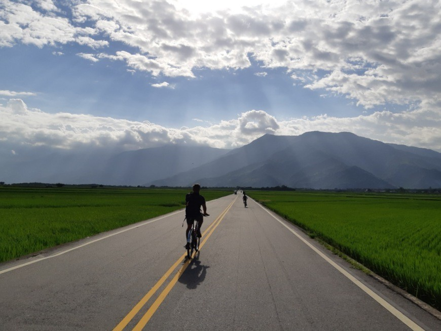 Cycle through the scenic Rift Valley
