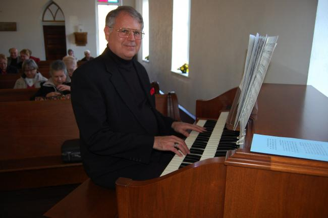 Allen Organ is dedicated at Little White Church   Times News