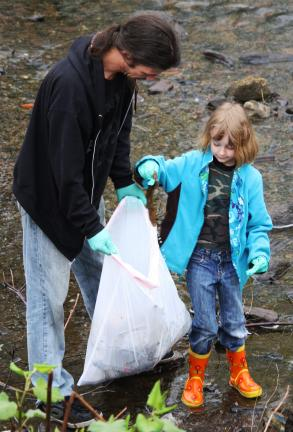 Community cleanup held in Tamaqua | Times News Online