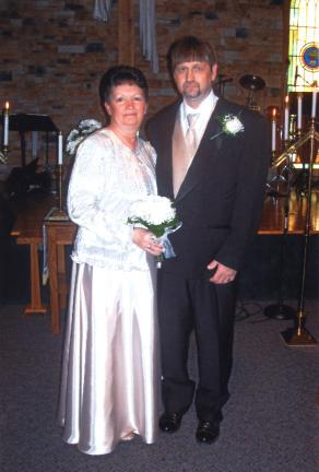 Mr. and Mrs. Michael A. Frable renewed their vows for their 25th wedding anniversary.