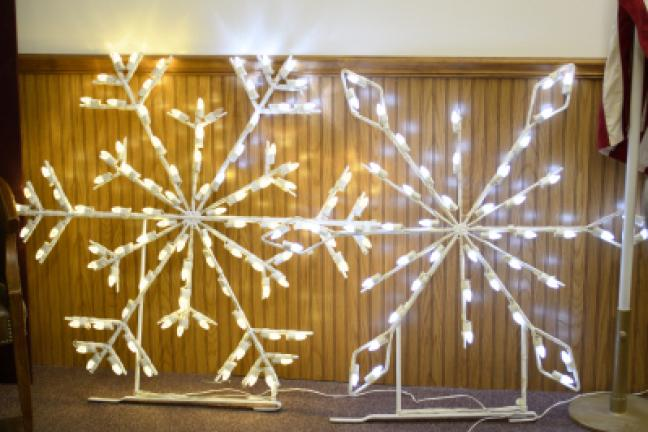 nesquehonings christmas lights committee is looking at purchasing snowflakes much like the design on the