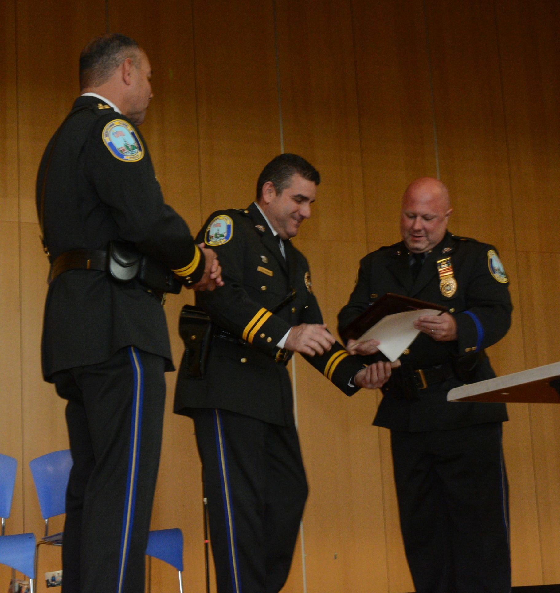 Police Receive Awards For Public Safety Excellence The Newtown Bee