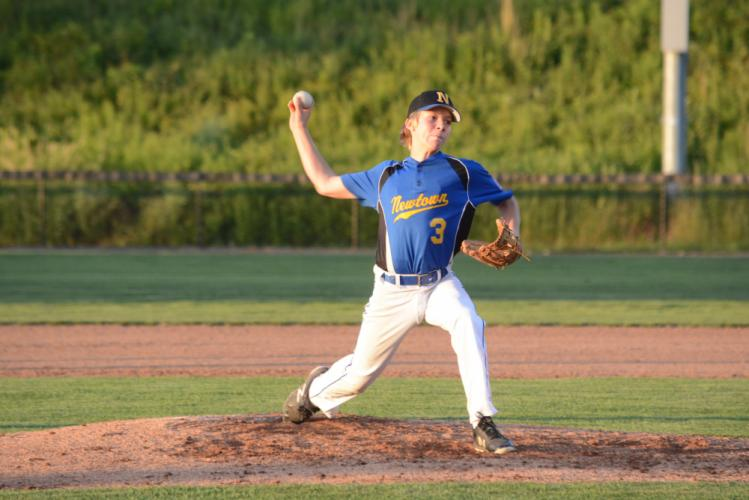 Charlie Curtis delivers a pitch. (Bee Photo, Hutchison)