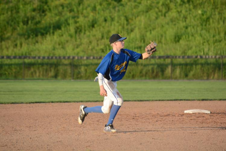 Cody Meier makes a catch in the infield during a state tourney game. (Bee Photo, Hutchison)
