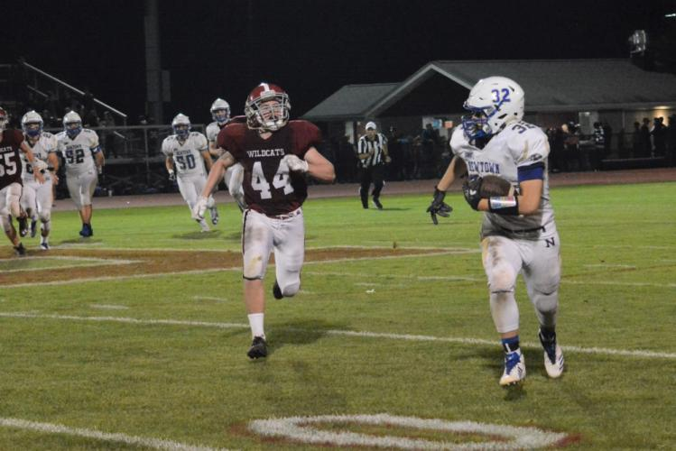 Shea Talbot runs with the ball as a Bethel defender gives chase. (Bee Photo, Hutchison)