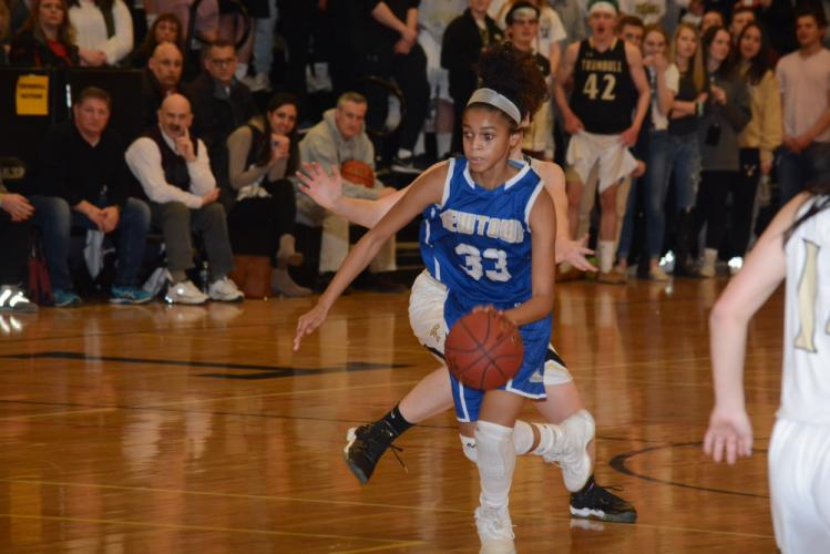 Amy Sapenter scored 11 points to lead Newtown in 40-33 loss to Trumbull in the state quarterfinals. (Bee Photo, Hutchison)