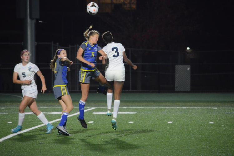 Keeley Kortze heads the ball. (Bee Photo, Hutchison)