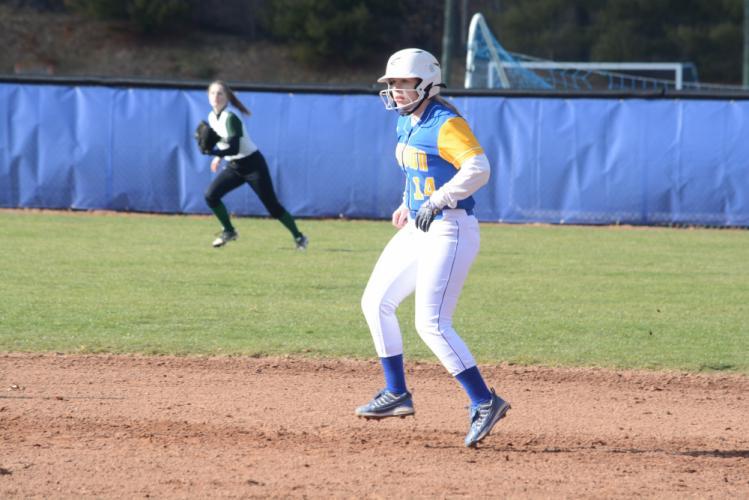 Ryssa Swanson leads off second base. (Bee Photo, Hutchison)