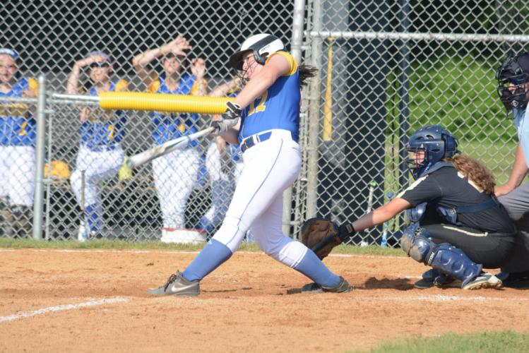 Shannon Cheh takes a swing. (Bee Photo, Hutchison)