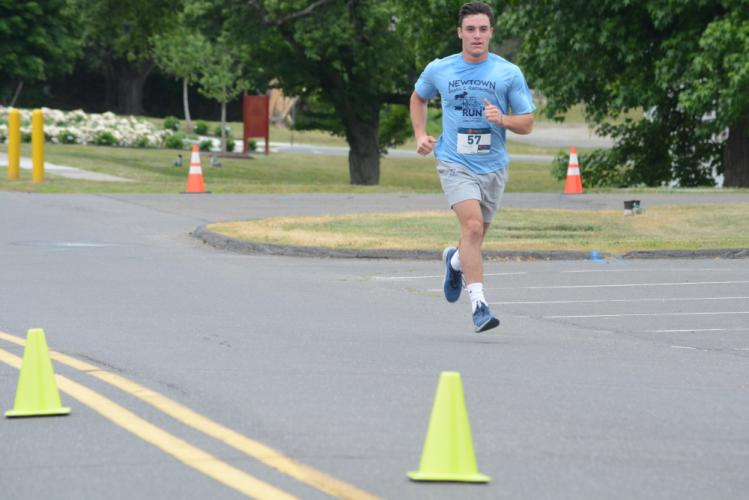 Mark Urso was third in the 5K. (Bee Photo, Hutchison)