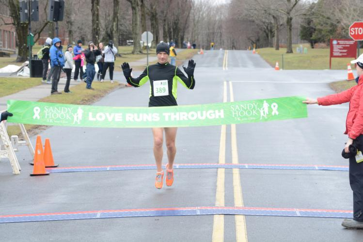 Kevin Boughan won the Sandy Hook 5K in time of 16:51. (Bee Photo, Hutchison)