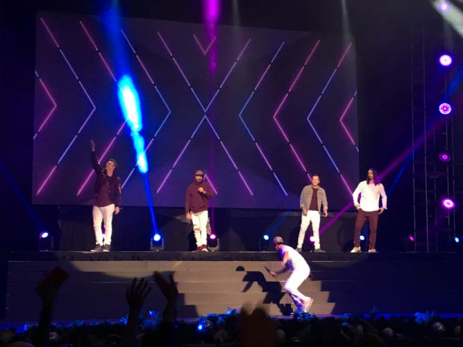 AS_-Backstreet-Boys-at-Mohegan-Sun_-Nick-Carter-AJ-McLean-Brian-Littrell-jumping-off-stage-Howie-Dorough-Kevin-Richardson.jpg