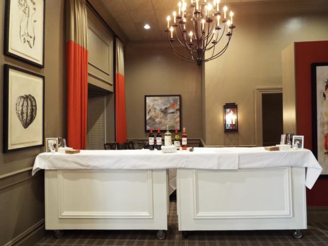 AS_-Ethan-Allen-Hotel-Restaurant_-bar-in-dining-area.jpg