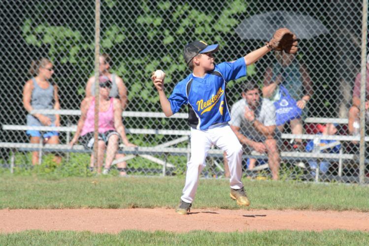 Antonio Arguello throws a pitch. (Bee Photo, Hutchison)