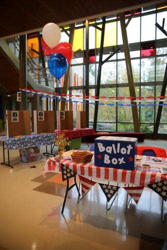 The school's lobby was decorated for the PTA event. (Bee Photo, Hallabeck)