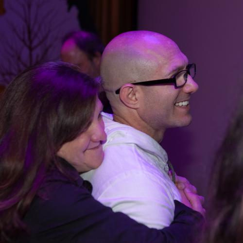 Avielle Foundation co-founder Jennifer Hensel embraces husband and co-founder Dr Jeremy Richman following the opening night of their 2018 Brainstorm series.  (Philip Keane photo)