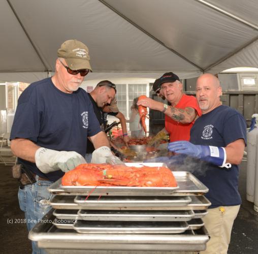 KB_Lobster-fest-volunteers-cracking-lobsters-WATERMARKED.jpg