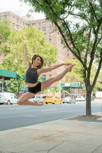 Lauren-Russo-performance-of-Aileys-Memoria-exterior-portrait-REDUCED.jpg