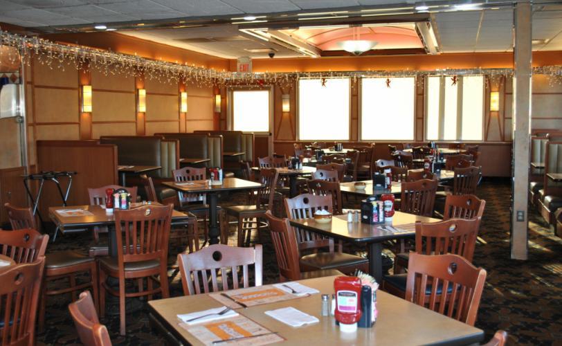 Nc-Blue-Colony-main-dining-room.jpg