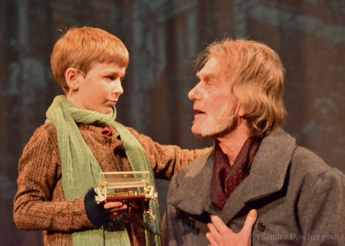 NewArts-Christmas-Carol-Closing-This-Weekend-Stutman-Malcolm-by-Doscher-WATERMARKED.jpg