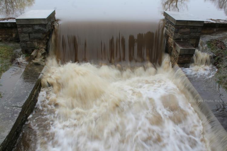 SH_Monday-rain-Ram-Pasture-dam-north-of-bridge.jpg